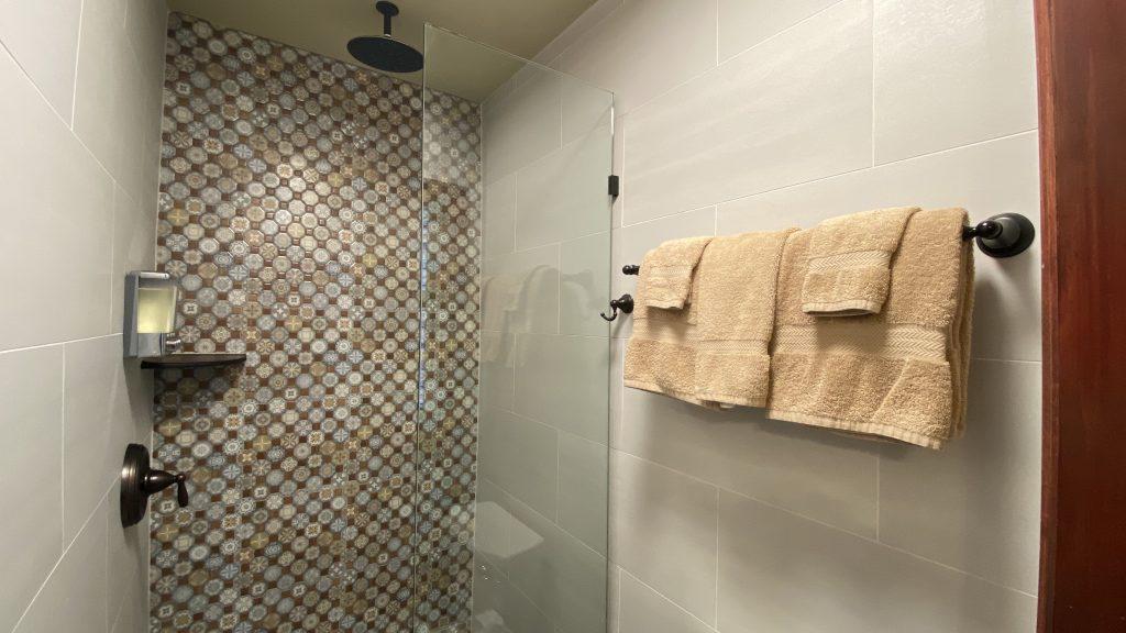 https://missioninn.net/wp-content/uploads/2020/11/San-Juan-Capistrano-Shower-Close-Up-1024x576.jpg