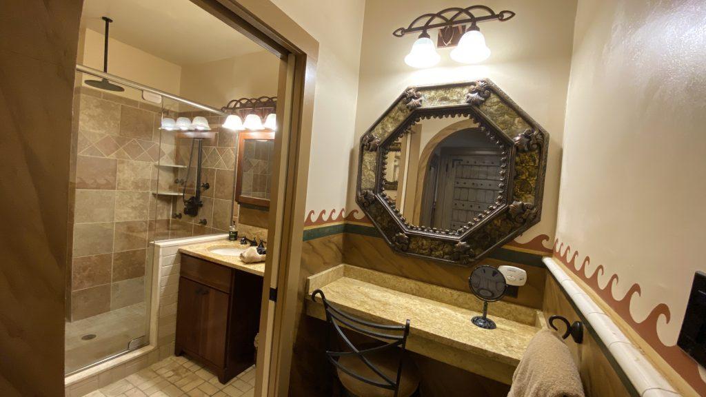 https://missioninn.net/wp-content/uploads/2020/11/Santa-Barbara-Bathroom-Sitting-Area-1024x576.jpg